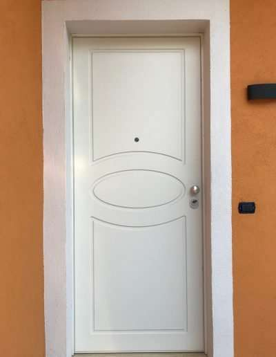 Frascati_(RM)-Portone_blindato_Classe_3